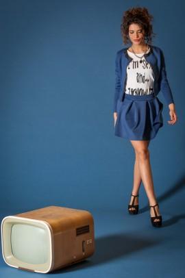 Trumpas mėlynas sijonas