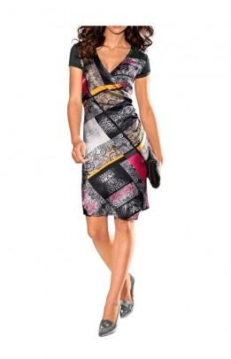 Pilka suknelė su ornamentais