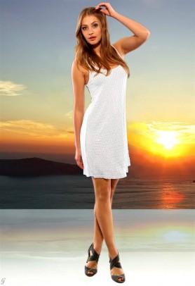 Balta vasarinė suknelė