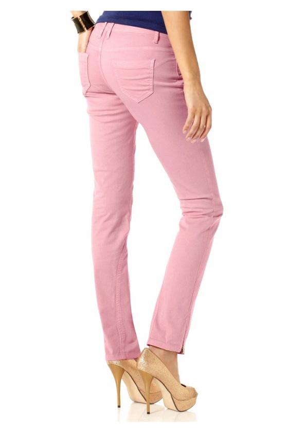 Rožiniai džinsai