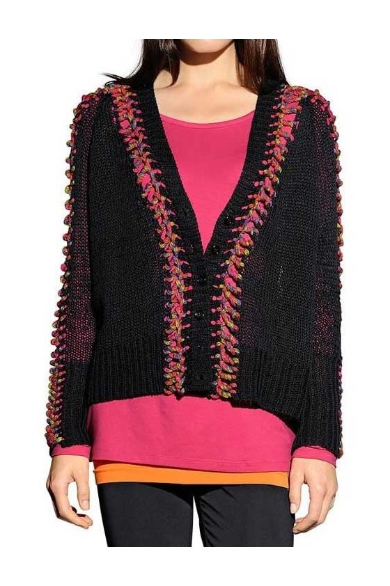 Margintas juodas megztinis