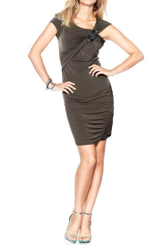 Suknelė su sage
