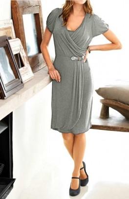 Pilka susiaučiama suknelė