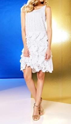 Balta karpyta suknelė