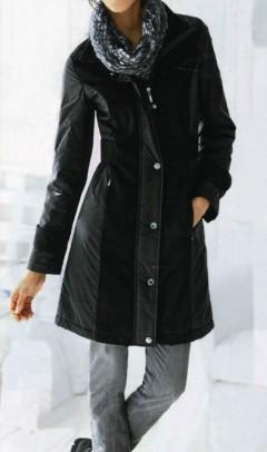 Juodas vilnonis paltas