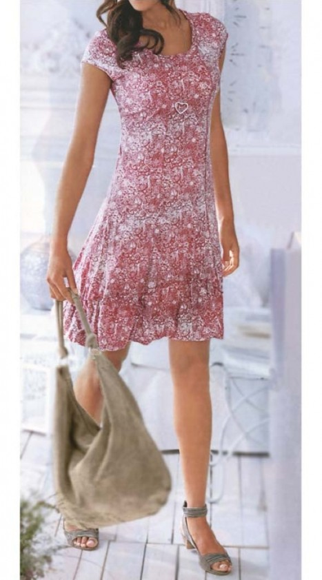 Romantiška rožinė suknelė