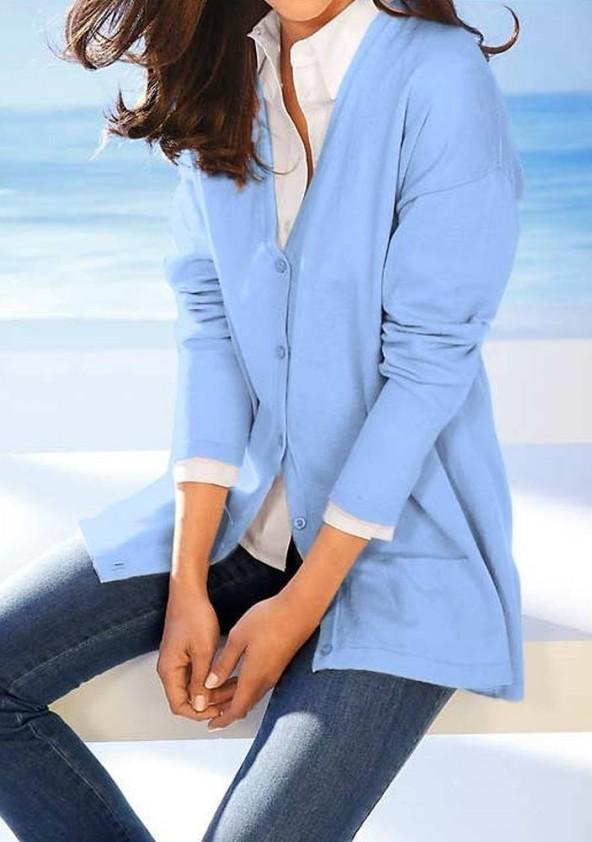 Laisvas megztinis su šilku