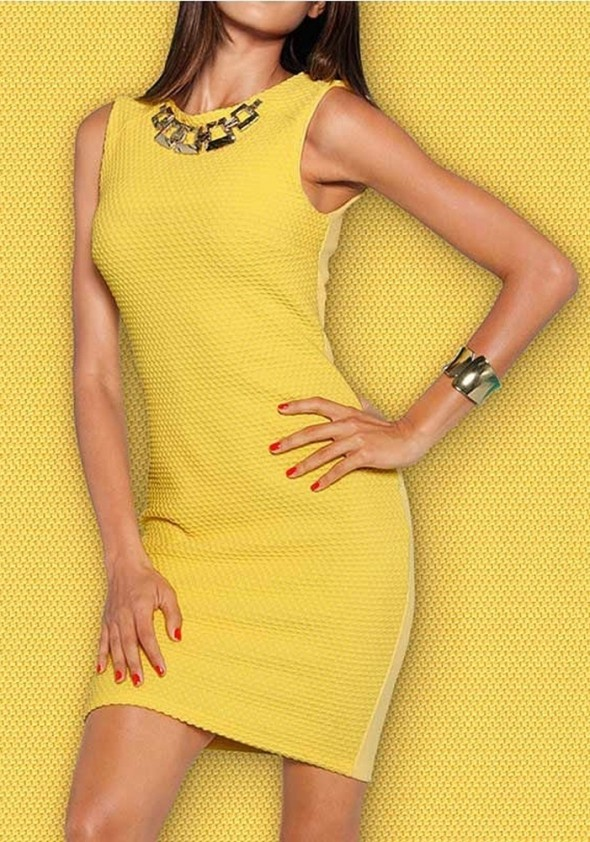 Dress with necklace, yellow