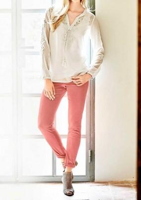 Skinny jeans, coral