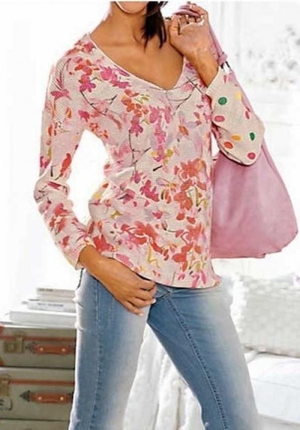 Gėlėtas vasariškas megztinis