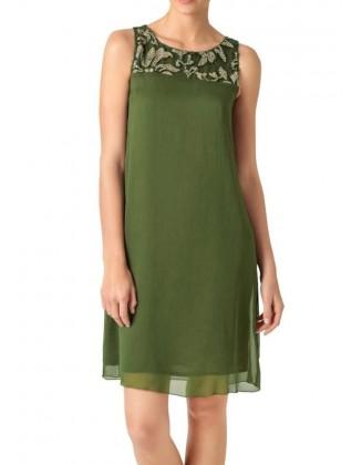 Subtili žalia suknelė