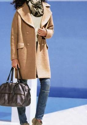 "Vilnonis paltas ""Camel"". Liko 40 dydis"