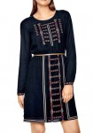 Siuvinėta mėlyna suknelė