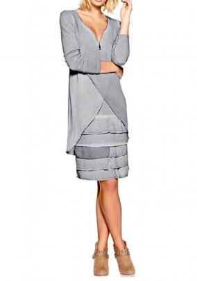 Pilka sluoksniuota suknelė