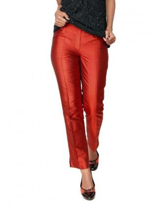 Raudonos šilkinės kelnės