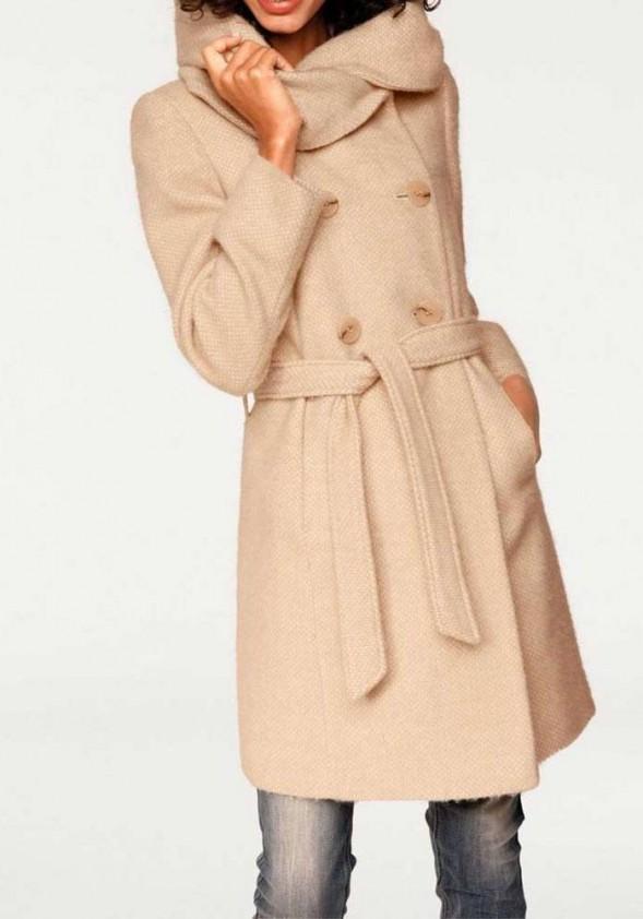 Rausvas vilnonis paltas