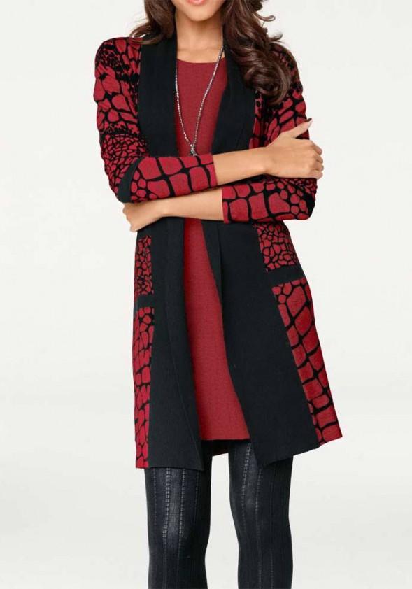 Ilgas raudonas megztinis