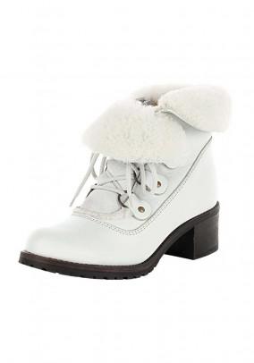 Odiniai batai su kailiu