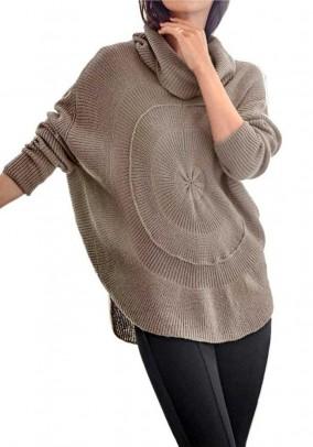 Įdomaus silueto megztinis