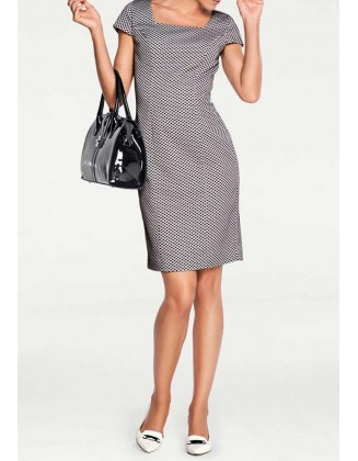 Verslo klasės suknelė