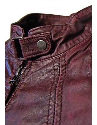 Ekstravagantiška odinė striukė