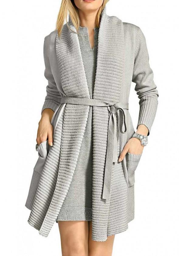 Pilkas vilnonis megztinis su diržu