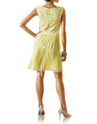 Geltona kokteilinė suknelė