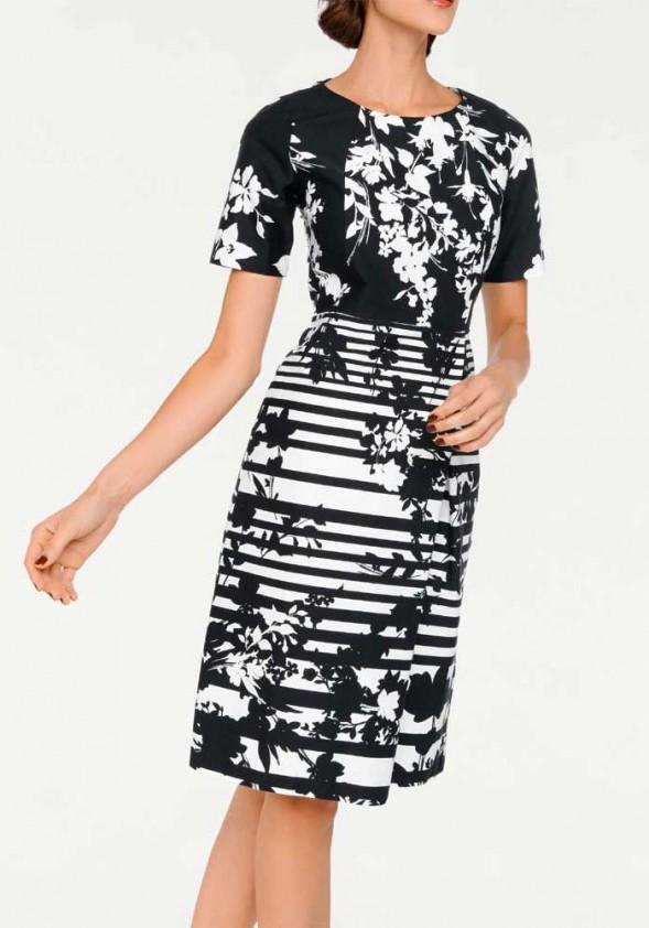 Baltai juoda suknelė