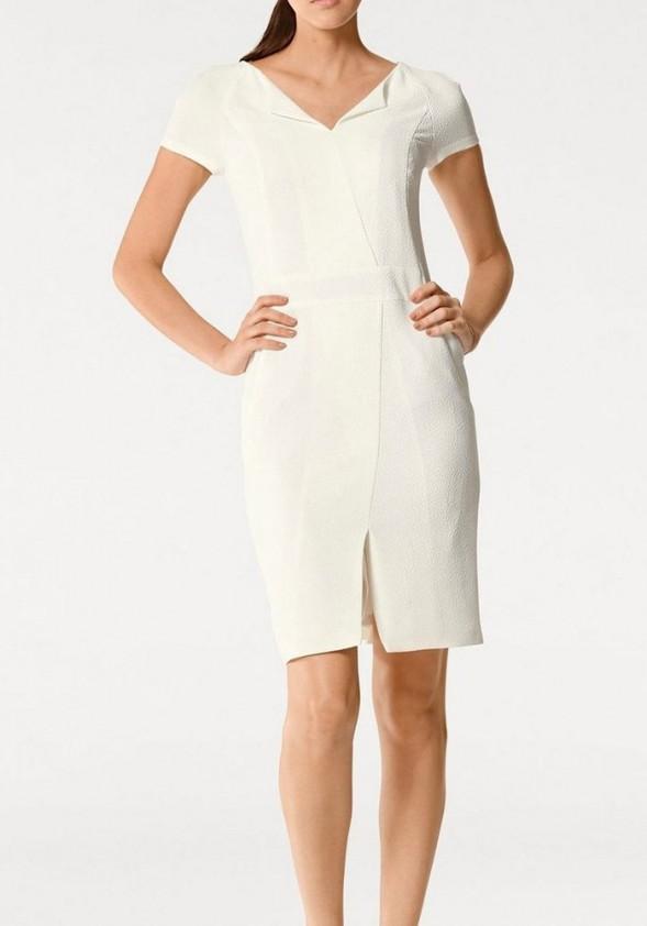 Šviesi klasikinė suknelė