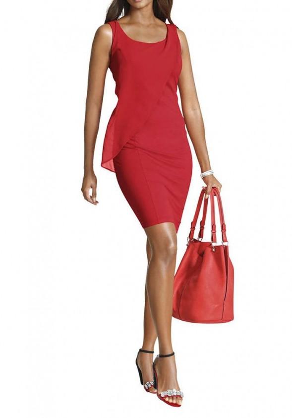 Raudona aptempta suknelė