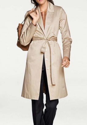 Elegantiškas paltas su diržu