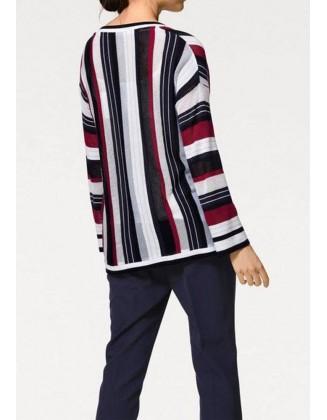 Dryžuotas žaismingas megztinis