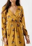 Garstyčių spalvos romantiška suknelė