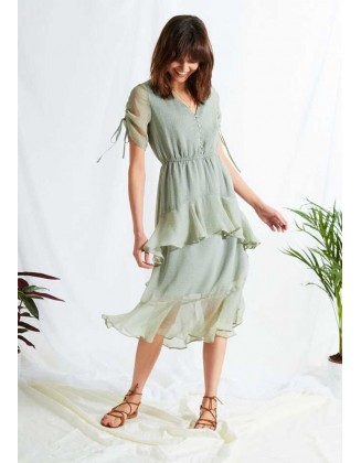 Romantiška suknelė su taškeliais