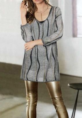 Ilgas laisvo pasiuvimo megztinis