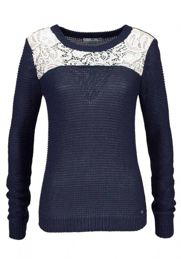 Mėlynas megztinis su nėriniais
