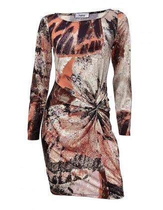 Marga aptempta suknelė