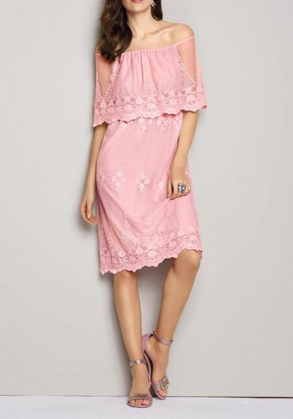 Nėriniuota rausva suknelė
