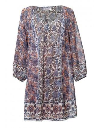 Plataus silueto suknelė