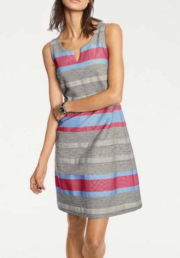 Pilka dryžuota suknelė