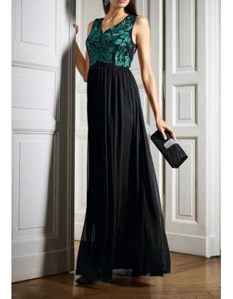 Prabangi ilga vakarinė suknelė