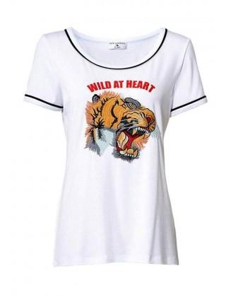 Balti marškinėliai su aplikacija