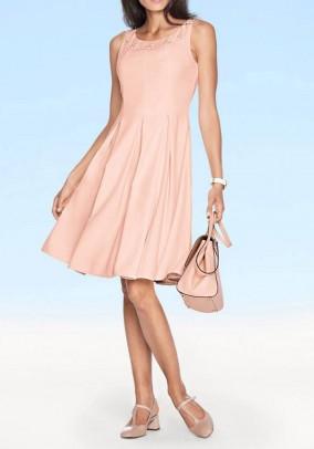 Žavi rausva suknelė
