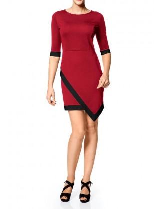 Raudona asimetrinė suknelė