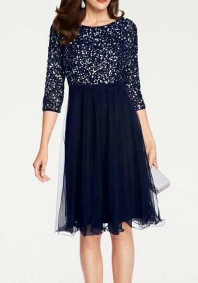 Vakarinė tiulio suknelė