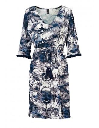 Marga pastelinių spalvų suknelė