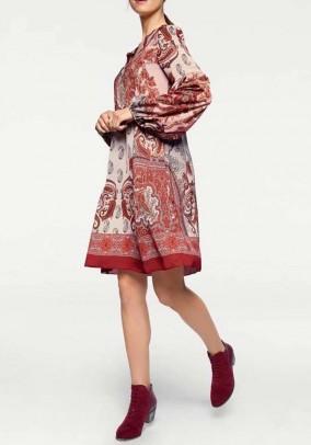 Ekstravagantiška marga suknelė