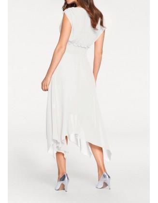 Balta asimetrinė suknelė