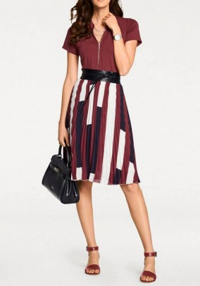 Pleat skirt, red-navy