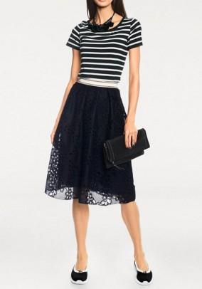 Juodas nėriniuotas sijonas